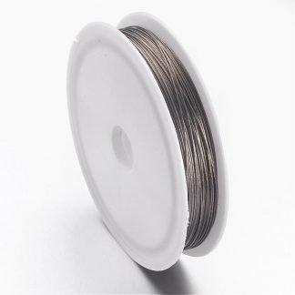 Gecoat staaldraad in de kleur grijs kan gekocht worden bij kralen winkel Limited Edition in Den Haag.