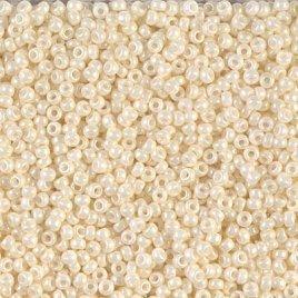 De rocaille seed bead van het Japanse merk Miyuki is te koop bij kralenwinkel Limited Edition in Den Haag in de maat 11-0594 Cream Ceylon.