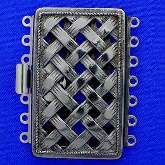 De metalen sloten van Claspgarten zijn mooi in kwaliteit en zijn te koop bij kralenwinkel Limited Edition in Den Haag in de maat 14746-07-54.