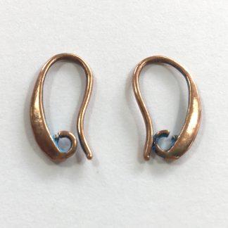 Deze mooie oorsieraden van Designer Quality zijn te koop bij kralenwinkel Limited Edition in Den Haag in de kleur koper blauw.