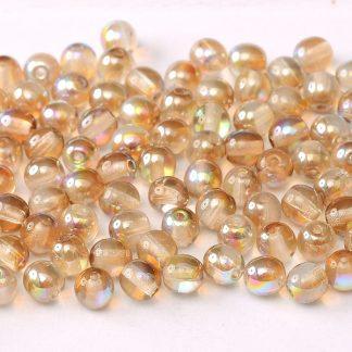 Deze ronde 3mm glaskralen worden vaak gebruikt in armband of ketting patronen en zijn te koop bij kralen winkel Limited Edition in Den Haag in de kleur 00030-98532.