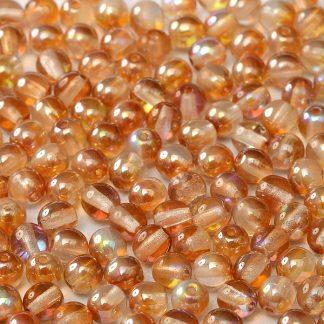 Deze ronde glaskralen worden vaak gebruikt in armband of ketting patronen en zijn te koop bij kralen winkel Limited Edition in Den Haag in de kleur 00030-98535.