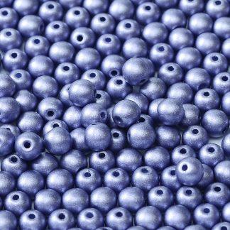 Deze ronde 3mm glaskralen worden vaak gebruikt in armband of ketting patronen en zijn te koop bij kralen winkel Limited Edition in Den Haag in de kleur 02010-29425.