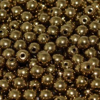 Deze ronde 3mm glaskralen worden vaak gebruikt in armband of ketting patronen en zijn te koop bij kralen winkel Limited Edition in Den Haag in de kleur 23980-90215.
