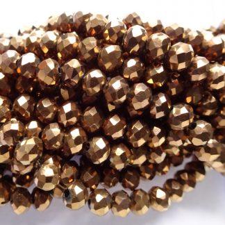 Deze facet geslepen rondelle kralen in de maat 4x3mm zijn te koop per streng bij kralenwinkel Limited Edition in Den Haag in de kleur copper plated.
