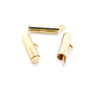 Met deze eindkap buisje is het heel eenvoudig om weef armbandjes af te werken en zijn te koop bij kralenwinkel Limited Edition in Den Haag in de maat 15mm goud.