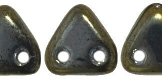 De CzechMates Triangle glaskraal word veel gebruikt in sieraad patronen en is te koop bij kralenwinkel Limited Edition in Den Haag in de kleur 21415JT.