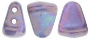 De Matubo Nib-bit glaskraal word veel gebruikt in sieraad patronen en is te koop bij kralenwinkel Limited Edition in Den Haag in de kleur S7C03000.