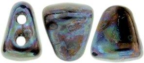 De Matubo Nib-bit glaskraal word veel gebruikt in sieraad patronen en is te koop bij kralenwinkel Limited Edition in Den Haag in de kleur S7C23980.