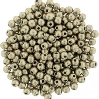 Deze ronde 2mm glaskralen worden vaak gebruikt in armband of ketting patronen en zijn te koop bij kralen winkel Limited Edition in Den Haag in de kleur K-77056CR.