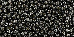 De rocaille 11/0 van het Japanse merk TOHO kan gebruikt worden om de gaafste sieraden mee te maken en zijn te koop bij kralenwinkel Limited Edition in Den Haag in de kleur TR-11-PF595.