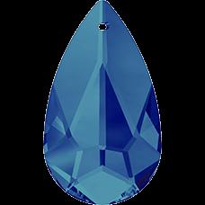 De Swarovski 6100 hanger is te koop bij kralenwinkel Limited Edition in de maat 24x12mm in de kleur Crystal Bermuda Blue.