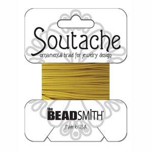 Dit 3mm Soutache koord van Beadsmith word op kaartjes verkocht bij kralenwinkel Limited Edition in Den Haag in de kleur Cadmium Yellow.