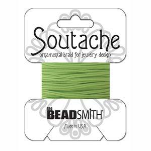 Dit 3mm Soutache koord van Beadsmith word op kaartjes verkocht bij kralenwinkel Limited Edition in Den Haag in de kleur Green.