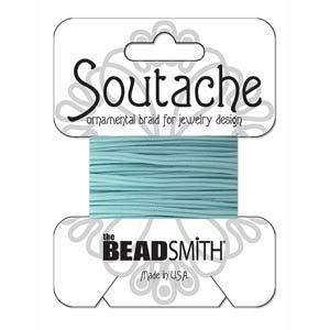 Dit 3mm Soutache koord van Beadsmith word op kaartjes verkocht bij kralenwinkel Limited Edition in Den Haag in de kleur Marine.