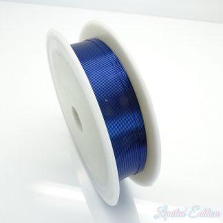 Koperdraad kan goed voor wire winding gebruikt worden en is te koop bij kralenwinkel Limited Edition in Den Haag in de maat 0.4mm in de kleur donker blauw.