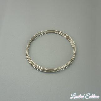 Memory wire is te koop bij kralenwinkel Limited Edition in de kleur zilver.