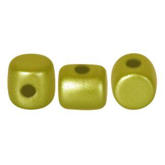 De Minos® par Puca® van het merk les Perles par Puca® is te koop bij kralenwinkel Limited Edition in Den Haag in de kleur Pastel Lime.
