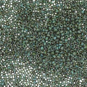 De rocaille seed bead van het Japanse merk Miyuki is te koop bij kralenwinkel Limited Edition in Den Haag in de maat 15-4514.