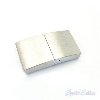 Dit RVS platte magneetslot is te koop bij kralenwinkel Limited Edition in Den Haag.