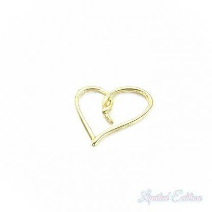 Dit tussenstuk in de vorm van een hart is te koop bij kralenwinkel Limited Edition in Den Haag in de kleur goud.