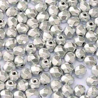 De glazen Fire Polished 3mm beads worden veel gebruikt in sieraden patronen en zijn te koop bij kralenwinkel Limited Edition in Den Haag in de kleur 01700.