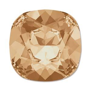 Deze vierkante swarovksi steen is te koop bij kralenwinkel Limited Edition in de kleur Crystal Golden Shadow.