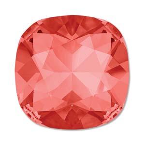 Deze vierkante swarovksi steen is te koop bij kralenwinkel Limited Edition in de kleur Padparadscha foiled.