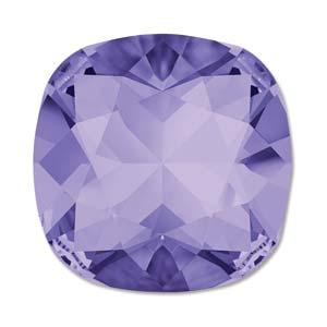 Deze vierkante swarovksi steen is te koop bij kralenwinkel Limited Edition in de kleur Tanzanite Foiled.