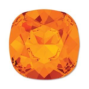 Deze vierkante swarovksi steen is te koop bij kralenwinkel Limited Edition in de kleur Tangerine Foiled.