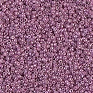 De rocaille seed bead van het Japanse merk Miyuki is te koop bij kralenwinkel Limited Edition in Den Haag in de maat 11-1867.