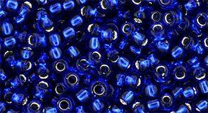 De rocaille 8/0 van het Japanse merk TOHO kan gebruikt worden om de gaafste sieraden mee te maken en zijn te koop bij kralenwinkel Limited Edition in Den Haag in de kleur TR-08-2206C.