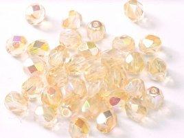 De glazen Fire Polished 4mm beads worden veel gebruikt in sieraden patronen en zijn te koop bij kralenwinkel Limited Edition in Den Haag in de kleur 00030/98531.