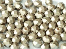 De glazen Fire Polished 4mm beads worden veel gebruikt in sieraden patronen en zijn te koop bij kralenwinkel Limited Edition in Den Haag in de kleur 02010/25005.