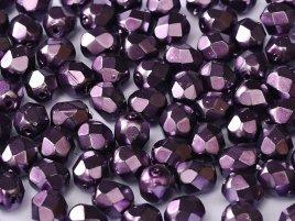 De glazen Fire Polished 4mm beads worden veel gebruikt in sieraden patronen en zijn te koop bij kralenwinkel Limited Edition in Den Haag in de kleur 23980/34768.