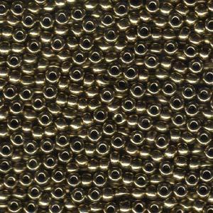 De rocaille seed bead van het Japanse merk Miyuki is te koop bij kralenwinkel Limited Edition in Den Haag in de maat 06-0457.