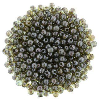 Deze ronde 2mm glaskralen worden vaak gebruikt in armband of ketting patronen en zijn te koop bij kralen winkel Limited Edition in Den Haag in de kleur LN00030.