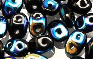 De SuperDuo glaskraal word veel gebruikt in sieraad patronen en is te koop bij kralenwinkel Limited Edition in Den Haag in de kleur x23980.