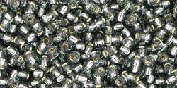 De rocaille 11/0 van het Japanse merk TOHO kan gebruikt worden om de gaafste sieraden mee te maken en zijn te koop bij kralenwinkel Limited Edition in Den Haag in de kleur TR-11-29B.