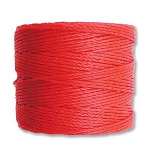 Dit nylon koord van S-Lon is 0,8mm dik en bestaat uit meerdere gevlochten draden, deze spoel is te koop bij kralenwinkel Limited Edition in Den Haag.