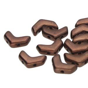 De Chevron Duo is een V-vormige met twee gaten die leuk te gebruiken is in patroontjes en is te koop bij kralenwinkel Limited Edition in Den Haag in de kleur 23980-14415.