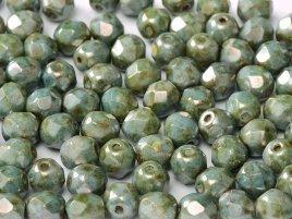 De glazen Fire Polished 4mm beads worden veel gebruikt in sieraden patronen en zijn te koop bij kralenwinkel Limited Edition in Den Haag in de kleur 03000/65431.