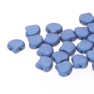 De Ginko glas kraal van Matubo heeft twee gaten en is te koop bij kralenwinkel Limited Edition in Den Haag in de kleur 23980-79031.
