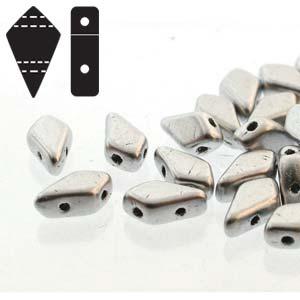 De Kite bead is een glaskraal met twee gaten in de vorm van een vlieger en is te koop bij kralenwinkel Limited Edition in de kleur fine 00030-01700.