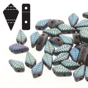De Kite bead is een glaskraal met twee gaten in de vorm van een vlieger en is te koop bij kralenwinkel Limited Edition in de kleur fine 23980-28773LA.