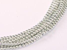 Deze ronde 2mm glaskralen worden vaak gebruikt in armband of ketting patronen en zijn te koop bij kralen winkel Limited Edition in Den Haag in de kleur 00030-27000.