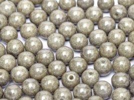 Deze ronde 3mm glaskralen worden vaak gebruikt in armband of ketting patronen en zijn te koop bij kralen winkel Limited Edition in Den Haag in de kleur 03000-14449.