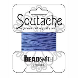 Dit 3mm Soutache koord van Beadsmith word op kaartjes verkocht bij kralenwinkel Limited Edition in Den Haag in de kleur Royal Blue.