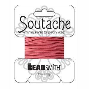 Dit 3mm Soutache koord van Beadsmith word op kaartjes verkocht bij kralenwinkel Limited Edition in Den Haag in de kleur Rose.