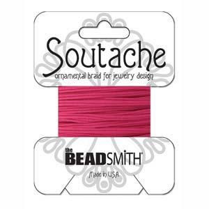 Dit 3mm Soutache koord van Beadsmith word op kaartjes verkocht bij kralenwinkel Limited Edition in Den Haag in de kleur Deep Pink.